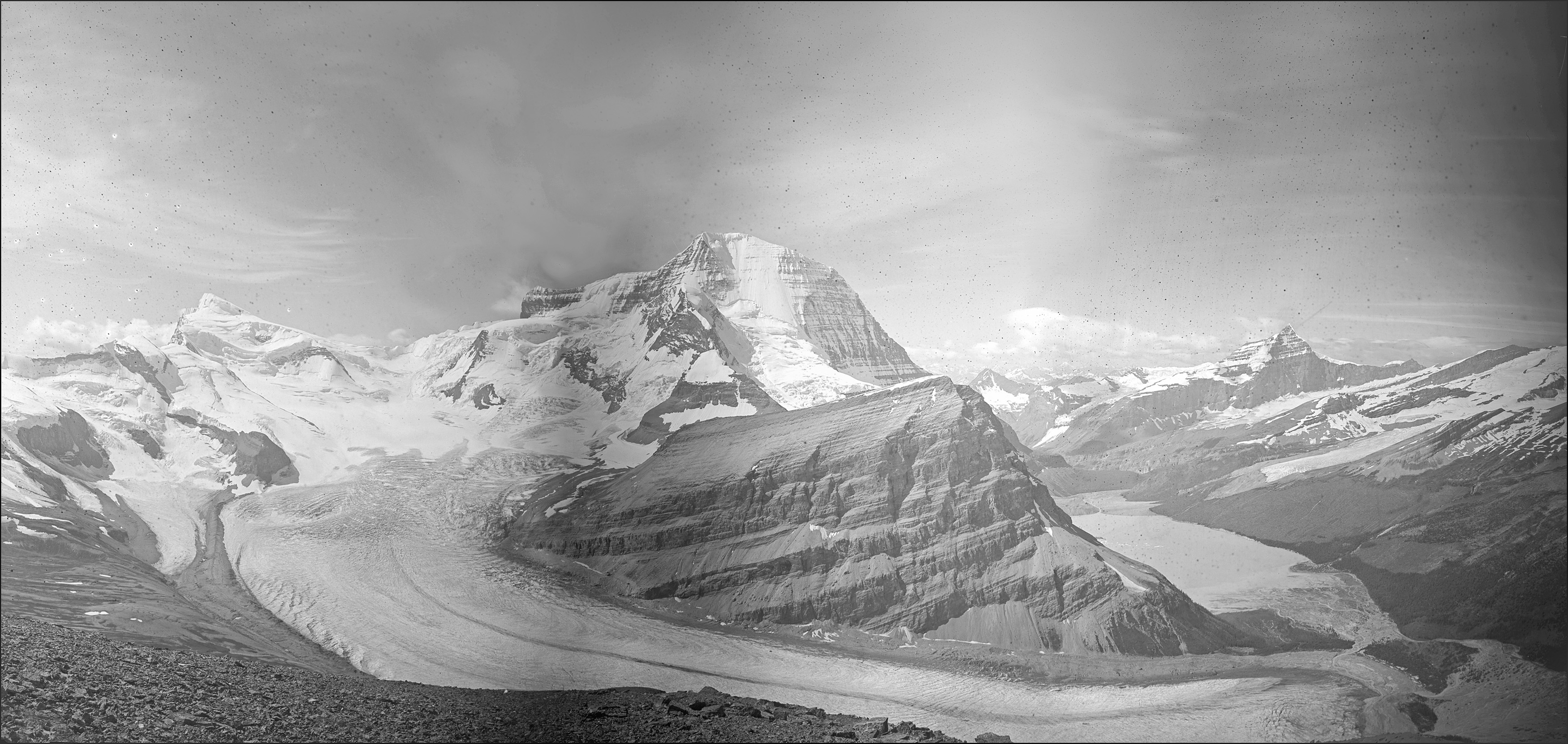 The Robson Glacier: A. O. Wheeler, 1911